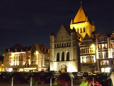 TOURNAI 2013 - Église Saint-Quentin, Grand-Place